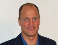 574px-Woody_Harrelson_cropped_by_David_Shankbone-1039x800