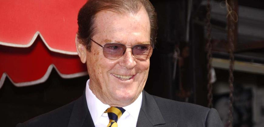 Sir Roger Moore Starmax